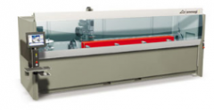 Bearbeitungszentrum mit 4 CNC-gesteuerten Achsen