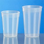 Plastikbecher transparent