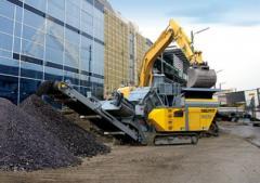 Machines crushing