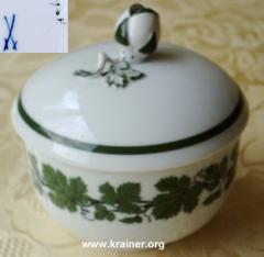 Meissner Porzellan – Dekor Voller grüner Weinkranz