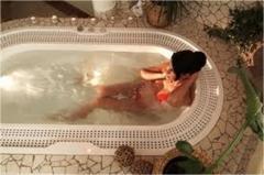 Whirlpool baths