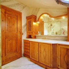 Möbel für Badezimmer