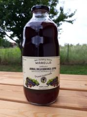 Juice from APPLE, ARONIA, blueberries and