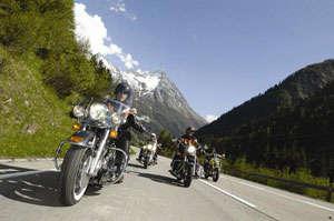 Auftrag Motorradtouren