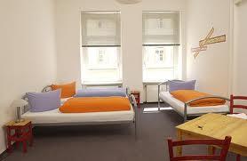 Auftrag Dreibettzimmer mit Balkon