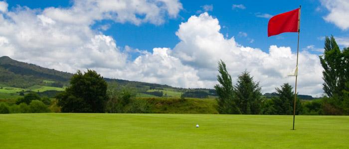 Auftrag Golfurlaub