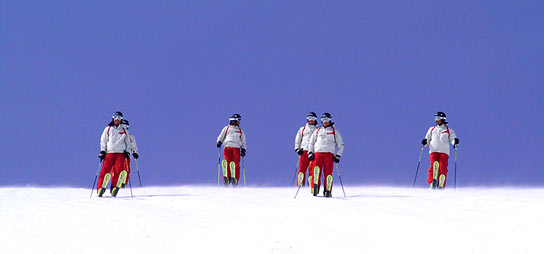 Auftrag Skifahren im Winterurlaub am Dachstein