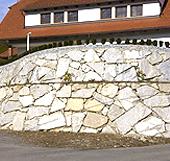 Auftrag Gartenstützmauern