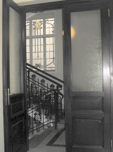 Auftrag Wir reparieren und erneuern Ihre Holzfenster, Türen, Wandverkleidungen, Decken und Fußböden